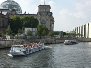 Schiffe Berlin Reichstag